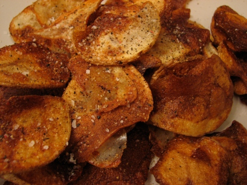 Crispy, peppery, and deliciously salty homemade potato chips